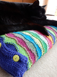 Stylecraft_cushion_with_flo__53__small2
