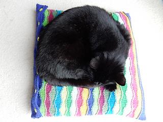 Stylecraft_cushion_with_flo__42__small2