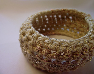 Crocheted_bangle_with_silver_chain_3__copy__small2