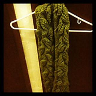 Leaf_entrelac_scarf_small2