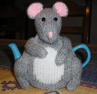 Mouse_tea_cosy_small2