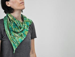 Slipped_stitch_shawl_2_small2