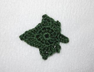 Ivy Leaf Knitting Pattern : Ravelry: Ivy Leaf Motif pattern by Julie Chen