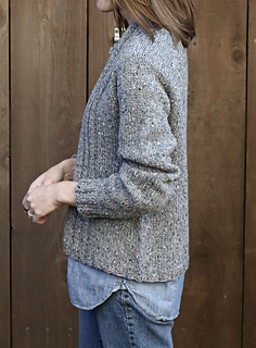 Walpole_chunky_cardigan_side_small2