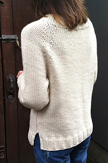 Karentempler_ivory_pullover_three-quarters_small2