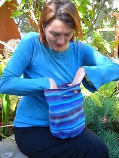 Crochet_tote_1_small2