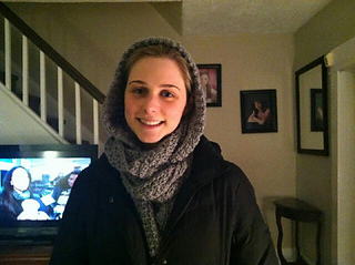 Tara_hooded_scarf_1_small2