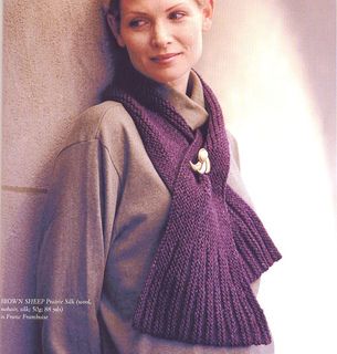 Shaped_ascot__a_knitter_s_dozen_small2