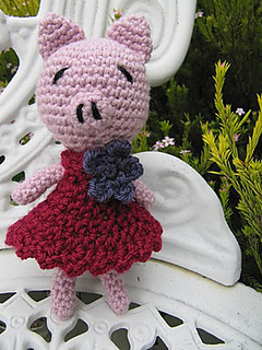 Gertrude_the_giveaway_pig__281_29_small2