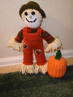 Scarecrow-pumpkin_small2