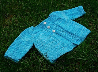 Cabled_heart_cardigan_small2