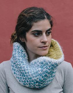 Pattern-knit-crochet-woman-reversible-cowl-autumn-winter-katia-8020-106-g_small2