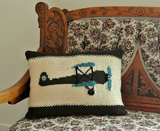 Vintage_aeroplane_pillow_1_small2