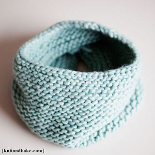 Ravelry: Seamless Garter Stitch Cowl pattern by Diana Levine