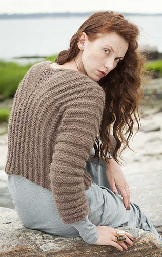 Welted_pullover_back_medium