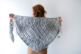Spun_cloud_shawl_1_small2