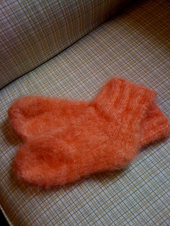 Fuzzy_slipper_socks_small2