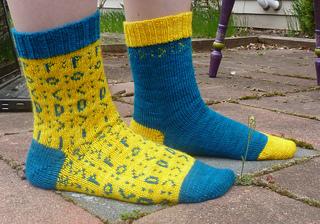 Emoticon_socks_4_small2