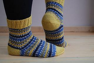 Sock_anatomy_clare_devine_yarn_and_pointy_sticks_10_medium2_small2