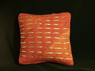 Back_20of_20pillow_small2