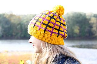 Tartania_hat_last_look_small2