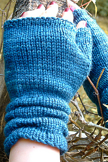 Ruckle_mitts_closeup_the_knitting_vortex-2_small2