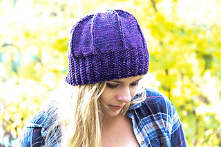 Slaunter_hat_iris_closeup_the_knitting_vortexjpg_small2