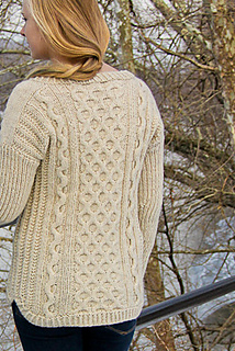 Fisher_queen_back_view_the_knitting_vortex_small2