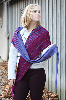Vary_crossed_in_front_the_knitting_vortex_small2
