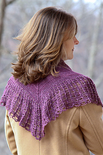 Arachnoshawl_dk_last_look_the_knitting_vortex_small2