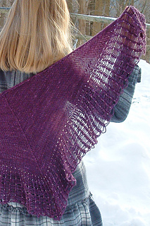 Arachnoshawl_plum_the_knitting_vortex_small2