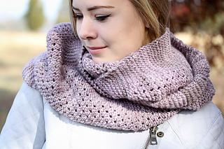 Yoli_cowl_cover_the_knitting_vortex_small2