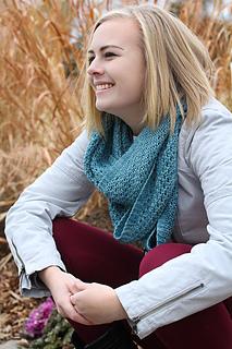 Yoli_loop_seated_the_knitting_vortex_small2