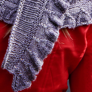 Amortentia_lavandula_detail_the_knitting_vortex_small2