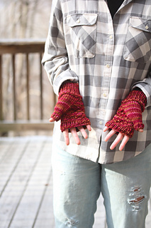 Cush_mitts_last_look_the_knitting_vortex_small2