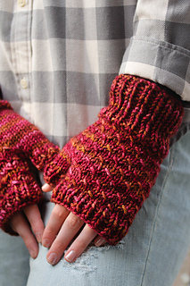 Cush_mitts_the_knitting_vortex_small2