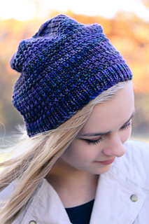 Courser_hat_front_closeup_the_knitting_vortexjpg_small2