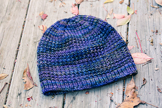 Courser_hat_flat_view_the_knitting_vortex_small2