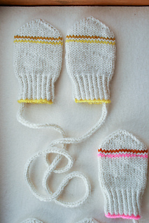 Infant_mittens-600-4_small2