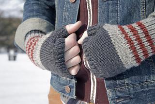 Fingerlessaaron1_small2