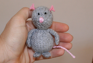 Grey_in_hand_rect_small2