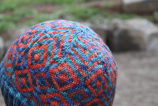 Hat_pattern_close_up_small2