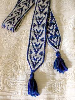 Pf4-scarf-tassels_small2