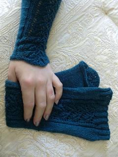 Pf3-hand_small2