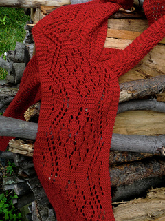 Pf-lace-closup-on-wood_small2