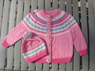 Knittingthree005_small2