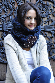 Maschera_hooded_cowl_scarf_6_small2
