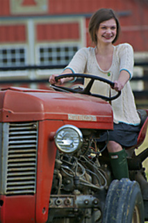Carlyle_tractor_2_small2