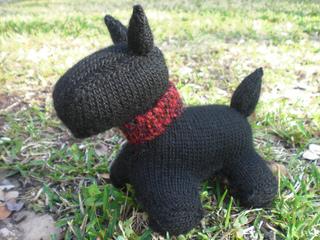 Debbie Bliss Knitting Patterns For Dogs : Ravelry: Scottie Dog pattern by Debbie Bliss