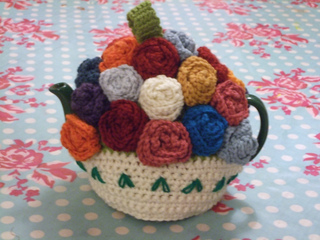 Knitting_tea_cosy_035_small2